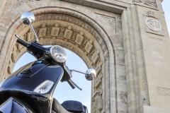 Rent Vespa Bucharest 1